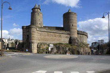 Ville de Fougères et son chateau